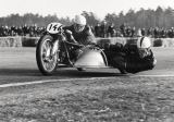 Tiofoto (F1 Online) - Motorcycle with side-Car, Motor vehicle, Background Leute, Unrecognizable Person, Drehen
